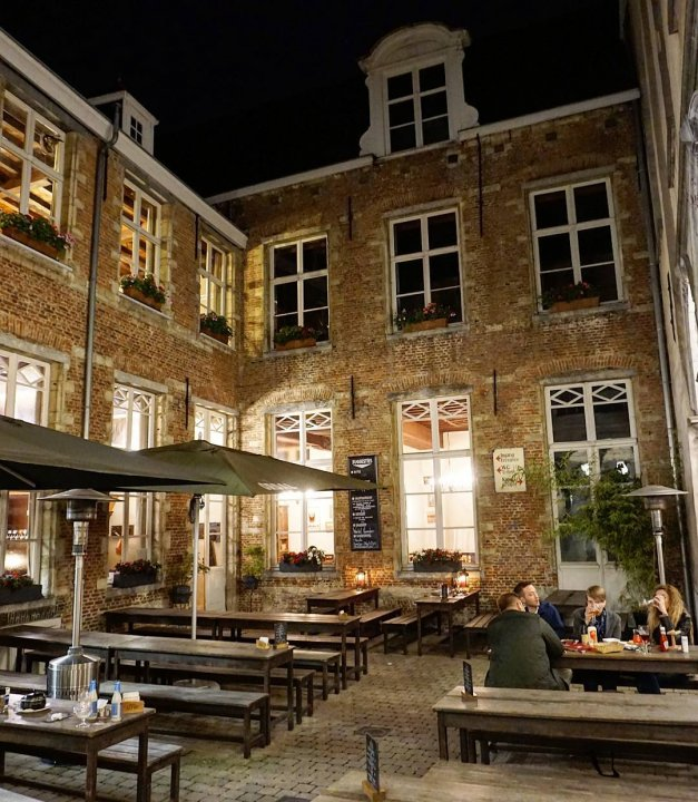 Groote Witte Arend, Reyndersstraat, Antwerp